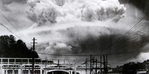 A nuvem atômica sobre Nagasaki, 1945